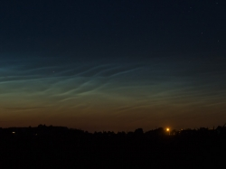 10. Juli 2015: Nachtleuchtende Wolken von Leeder