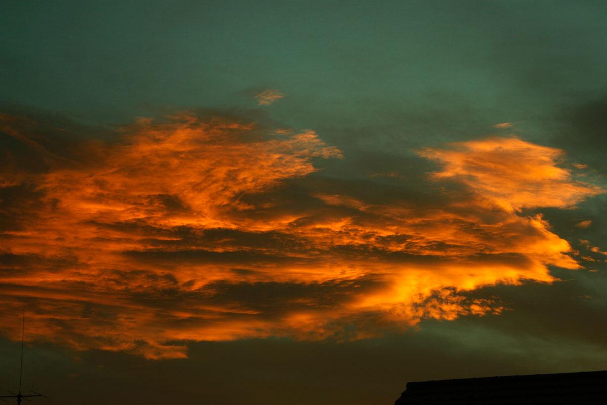 24. September 2012 Sonnenaufgang Wolken im Osten