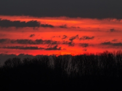 13. April 2015: Sonnenaufgang über Kaufering