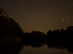 Sterne über dem Stausee