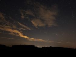 Nachtwolken in der Dämmerung